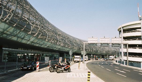 Flughafen Düsseldorf International  Terminals B+C.
