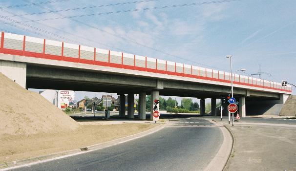 Brücke über die Düsseldorfer Strasse, Duisburg/Krefeld