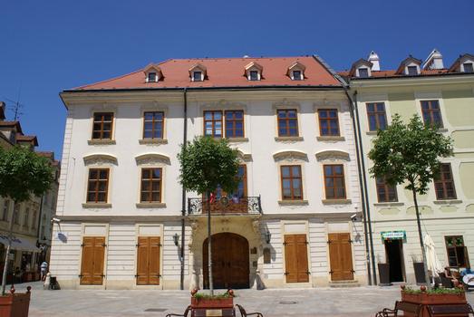 Palais Kutscherfeld, Place principale, Bratislava