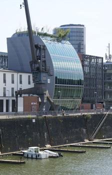 Haus vor dem Wind, Medienhafen, Düsseldorf