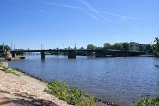 Friedensbrücke, Frankfurt