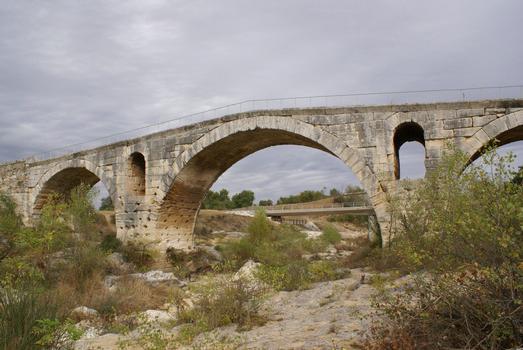 Bonnieux / Apt - Julian Bridge