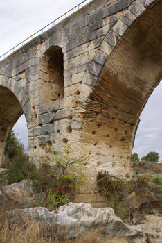 Bonnieux / Apt - Julian Bridge