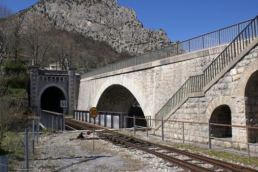 Pont de la Chalvagne & Souterrain d'Entrevaux I & Pont-route de la Chalvagne