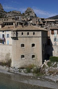 Stadtmauern von Entrevaux