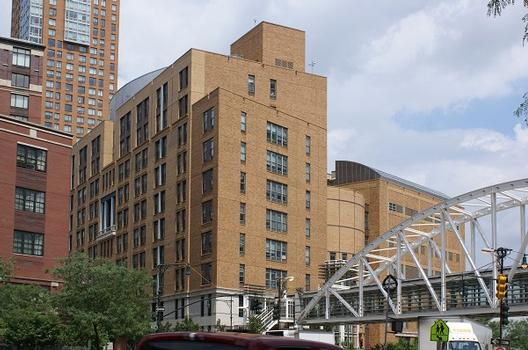Stuyvesant High School & Tribeca Bridge