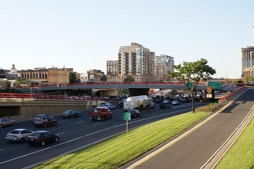 Passage de la West Monroe Street au dessus de I-90 / I-94 à Chicago