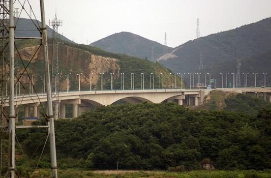 Verbindung der Zhoushan-Inseln zum Festland – Xiangjiaomen-Brücke