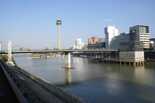 Medienhafen Düsseldorf – The Living Bridge