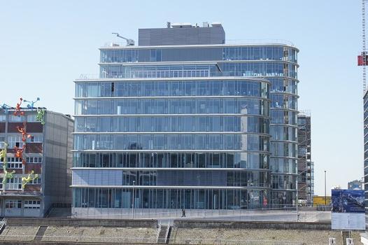 Medienhafen Düsseldorf – Speditionstraße 17
