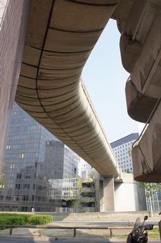 Paris-La Défense – Passerelle Orme