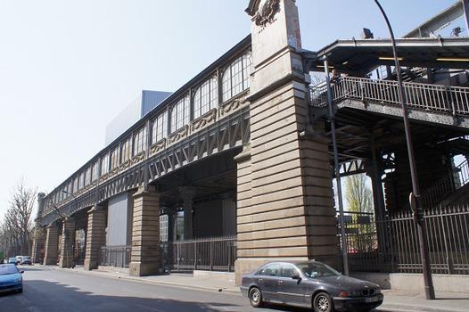 Linie 2 der Pariser Métro – Metrobahnhof Jaurès
