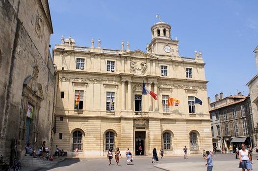 Hôtel de ville (Arles)