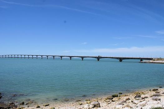 Re Island Bridge