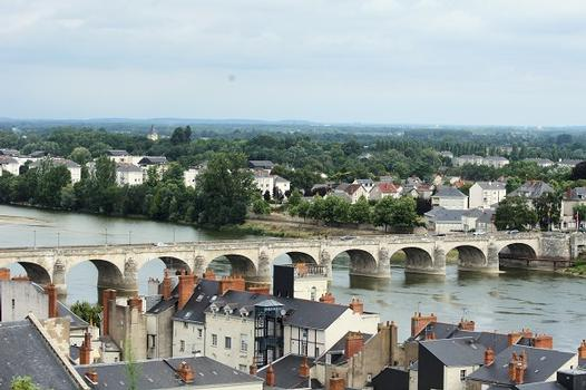 Pont Cessart, Saumur