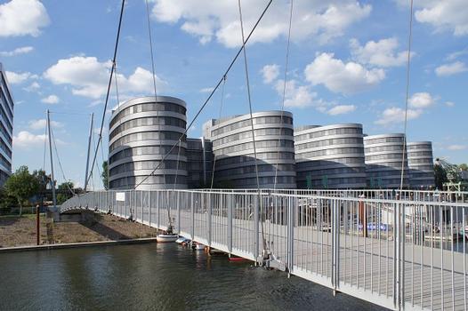 Fußgängerbrücke im Innenhafen