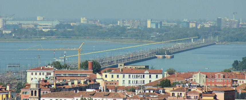 Eisenbahnbrücke Venedig