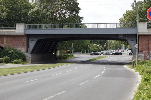 Eisenbahnüberführung Altonaer Straße