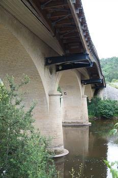 Vézèbrücke Eyzies-de-Tayac-Sireuil