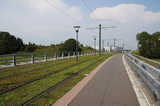 Straßenbahnbrücke über die A 2