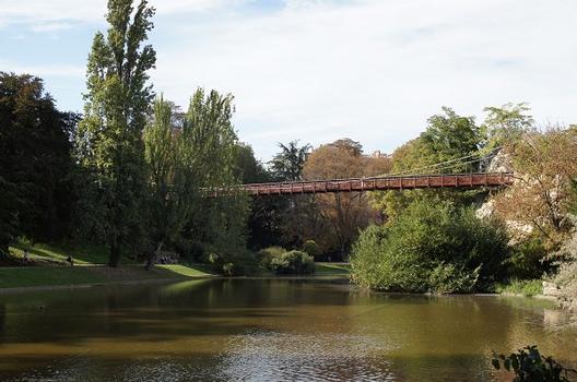 Passerelle dans le Parc des Buttes-Chaumont