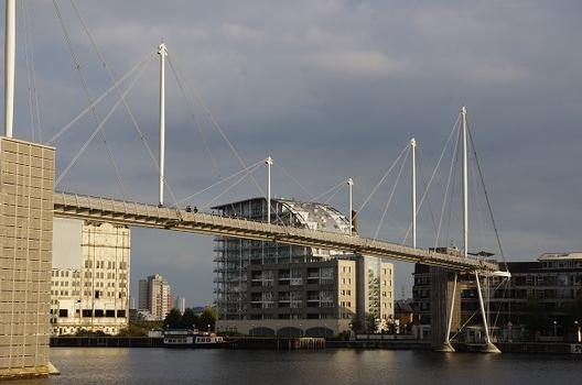 Royal Victoria Dock Pedestrian Bridge