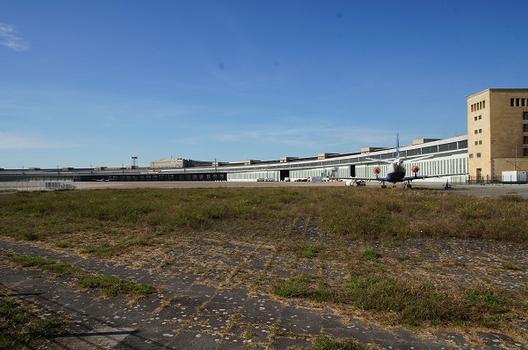 Berlin-Tempelhof Airport – Tempelhof Airport Building