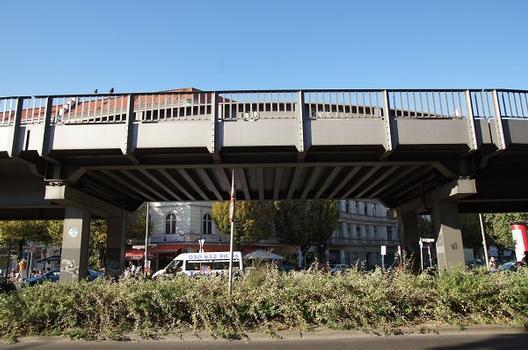 U 1 Subway Line (Berlin) – Hochbahnbrücke Zeughofstraße