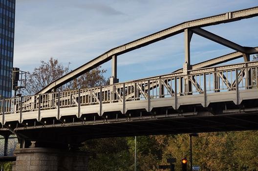 Hochbahnviadukt Großbeerenstraße