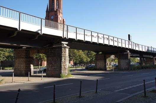 Hochbahnbrücke Lausitzer Straße