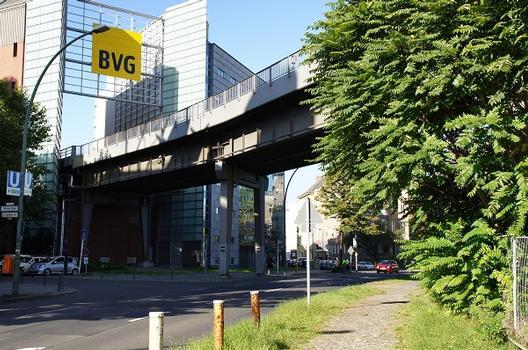 Hochbahnviadukt Tempelhofer Ufer