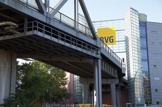 Anhalter Bahnbrücke – Hochbahnviadukt Tempelhofer Ufer