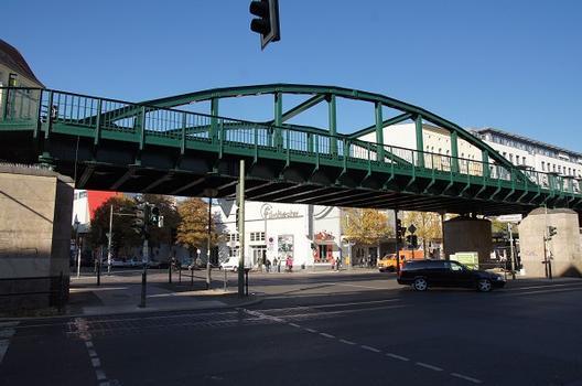 Hochbahnbrücke Stargarder Straße