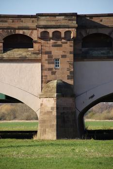 Kanalbrücke über die Weser in Minden