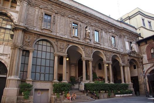 Palazzo delle Scuole Palatine