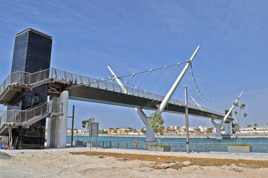 Fußgängerbrücke über den Dubai-Kanal I