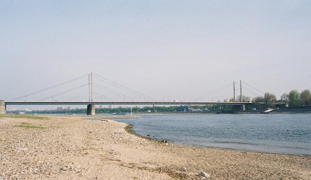Theodor-Heuss-Brücke, Düsseldorf
