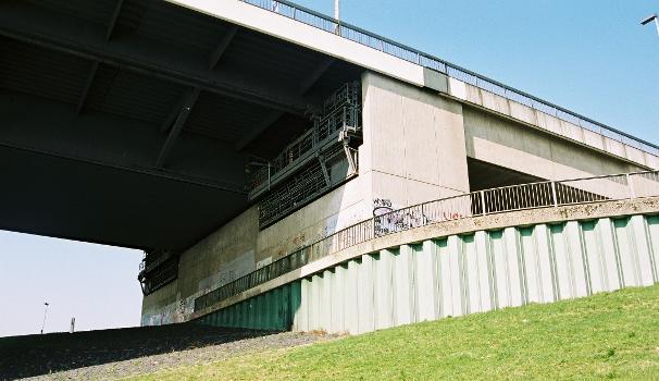 Rheinbrücke Flehe