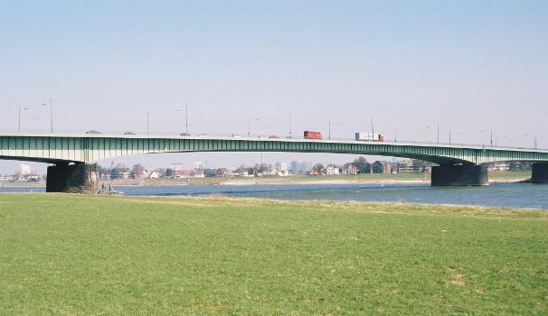Willy-Brandt-Brücke, Düsseldorf.