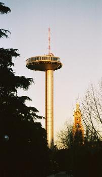 Faro de Madrid.