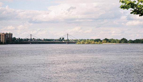 Papineau-Leblanc Bridge, Montréal/Laval, Québec