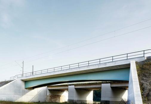 Pont ferroviaire sur la plaine de la Saale