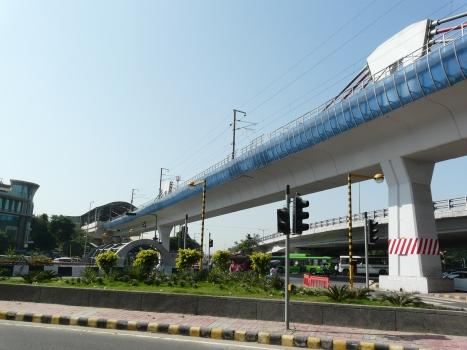 Moolchand Metro Bridge