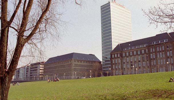 Vodafone-Gebäude (ehemals Mannesmann) in Düsseldorf