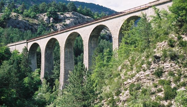 Train des Pignes Viaduc de la Donne.