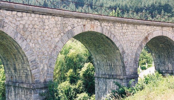 Train des Pignes. Viaduc de Moriez