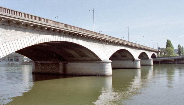 Pont National, Paris.