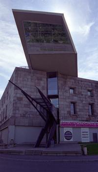 Dokumentationszentrum Reichsparteitagsgelände (Nuremberg, 2001)