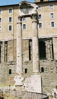 Tempel des Vespasian, Forum Romanum, Rom