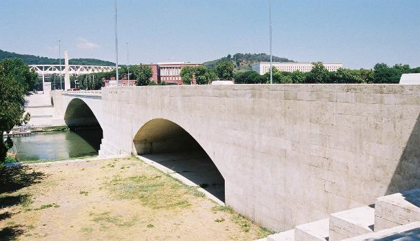 Ponte Duca d'Aosta, Rom